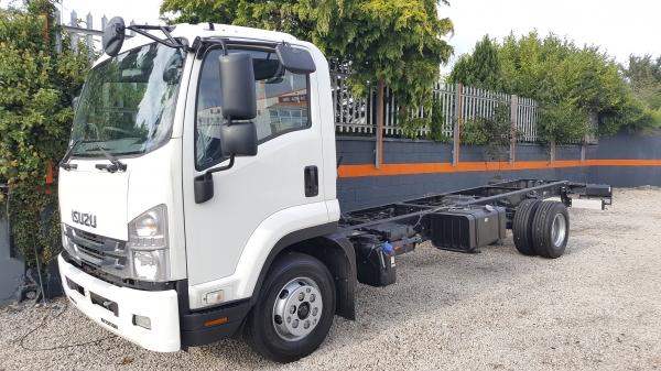 2019 Isuzu F Series 11 ton truck