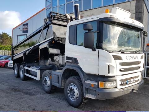 2014 (142) Scania P400 8x4 Tipper