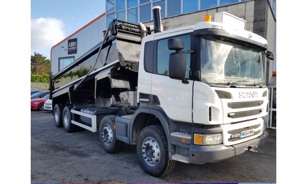 2014 (142) Scania P400 8x4 Tipper
